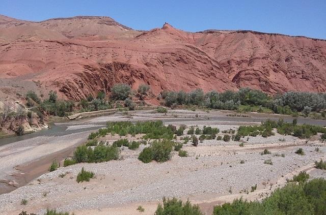 Paysage de la vallée des Roses dans le sud Maroc