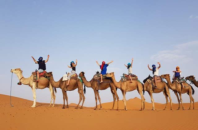 Circuit dans le désert du Maroc en groupe
